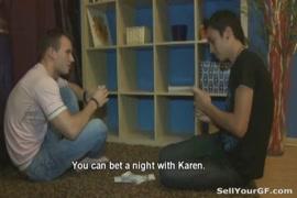 رجل يشرب الامراء حبة الزرقاء على مساعدة الجنسية على xnxx