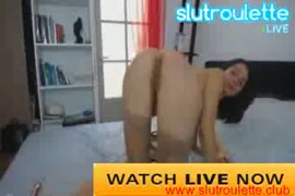 العملاقة ميشا مورا تمارس الجنس مع نفسها وتسبب فوضى في جسدها.