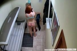 كبير أحمر الشعر في سن المراهقة assed مع كبير الثدي الحمار كبيرة.